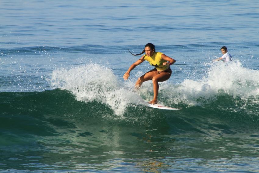 Carol Bonelli comemora a vaga para o Mundial Júnior do ISA Games, no Japão