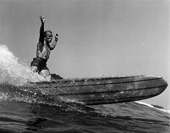 AS RAÍZES DO SURF