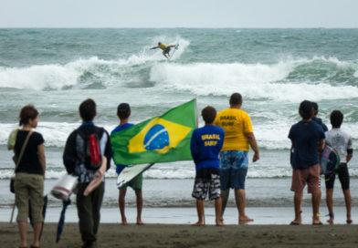Equipe do Brasil de fora do ISA Games em Tahara