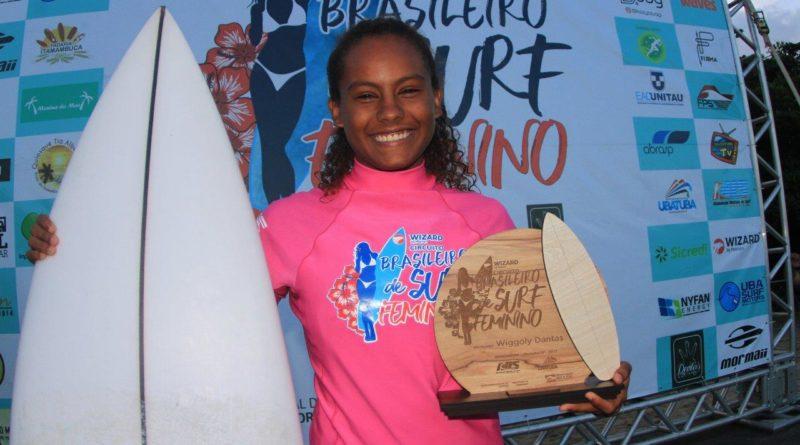 7ff829613 Yanca Costa fatura a abertura do Circuito Brasileiro de Surf Feminino