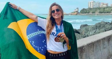 Chloé Calmon fica com a medalha de bronze no Mundial da ISA