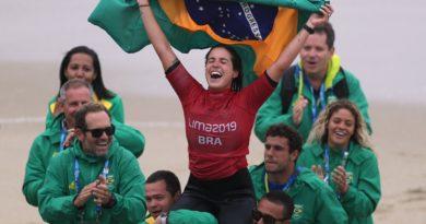 Chloé Calmon conquista a segunda medalha de ouro do surfe no Pan de Lima