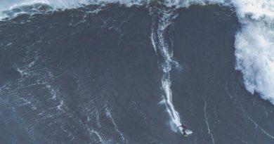 Onda gigante de Caio Vaz em Nazaré pode ser novo recorde mundial