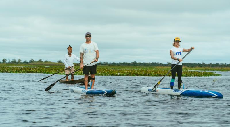 Campeã pan-americana de SUP, Lena Ribeiro estrela série gravada no Pantanal