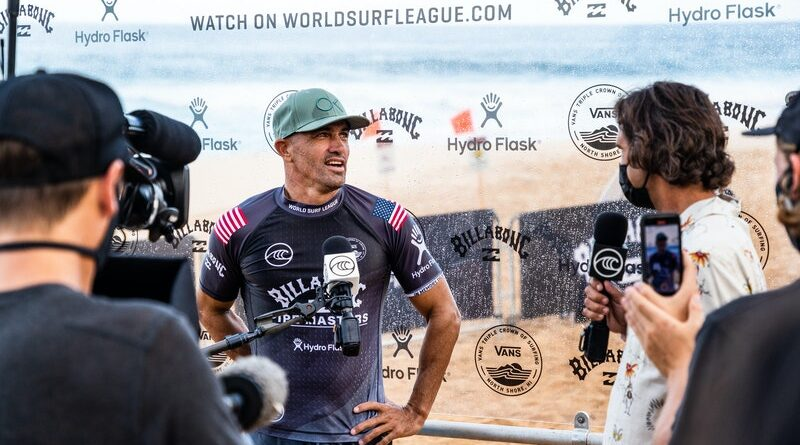 KELLY SLATER DE FORA DO CT EM NEWCASTLE